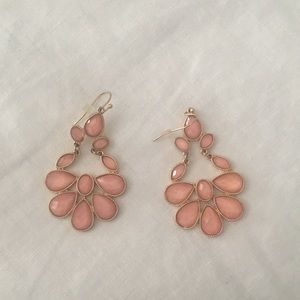 Jewelry - Pink jewel dangle earrings
